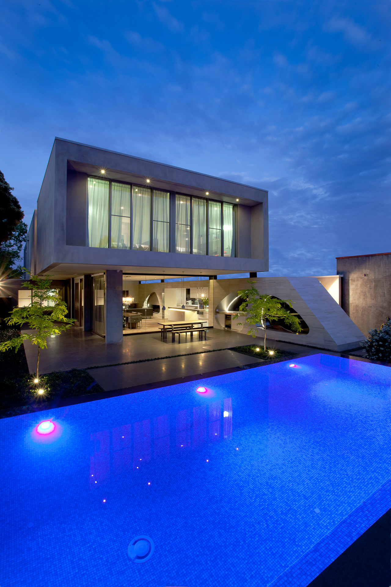 Contemporary kitchen, egg shapes, modern pool, stone italiana, concrete feature, Brighton, Melbourne, Minka Joinry