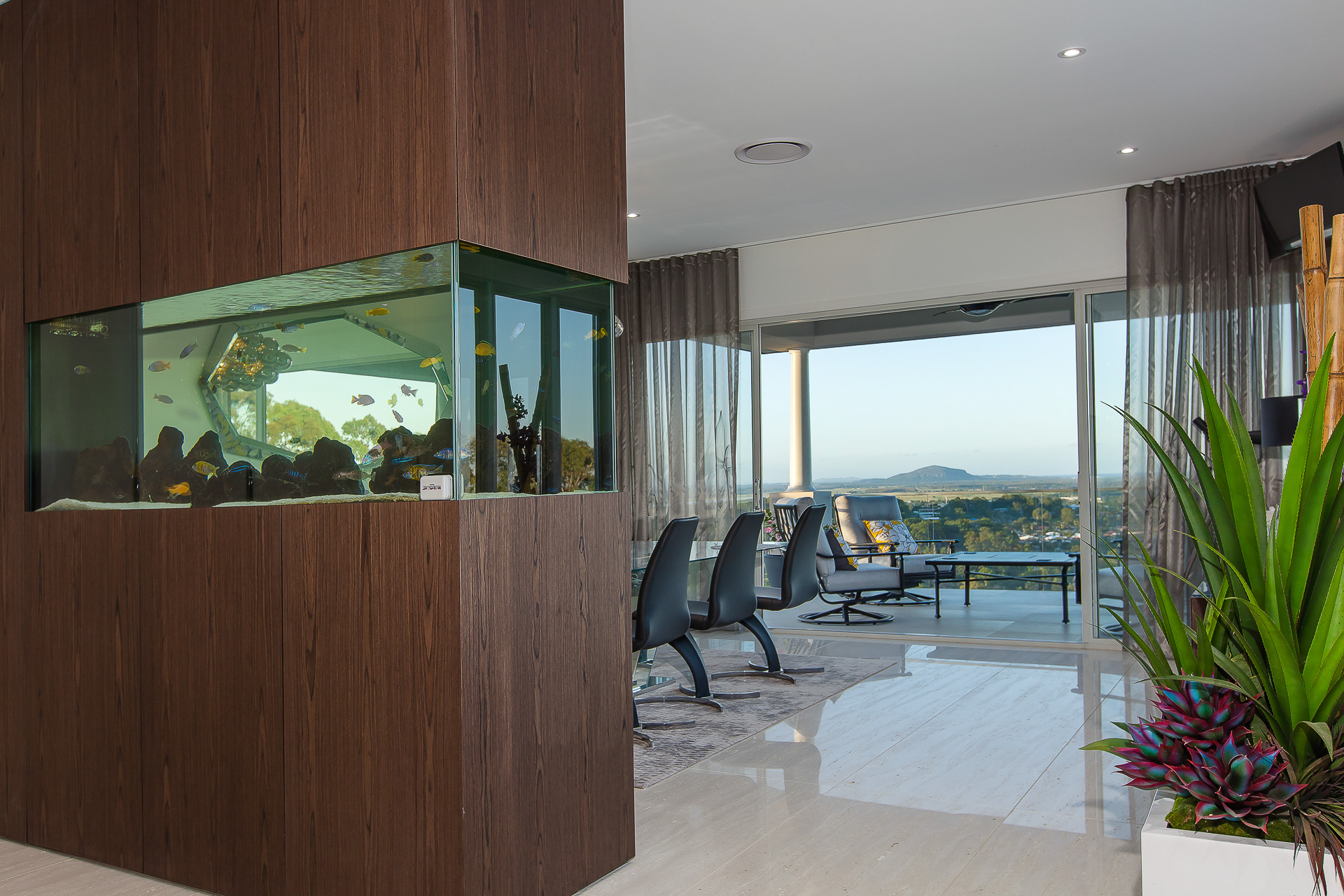 custom fish tank, built in, luxury cabinets, luxury home Brisbane, room divider, minka joinery