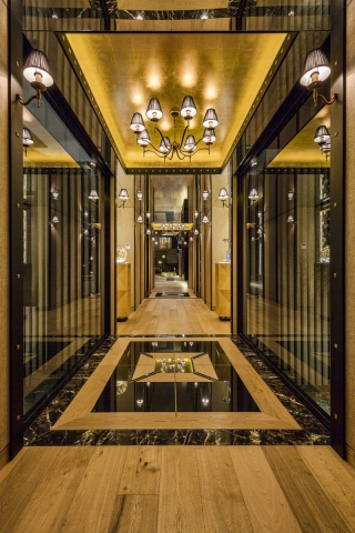 luxury entry, hall way, mirror ceiling, gold ceiling, marble floor, minka joinery