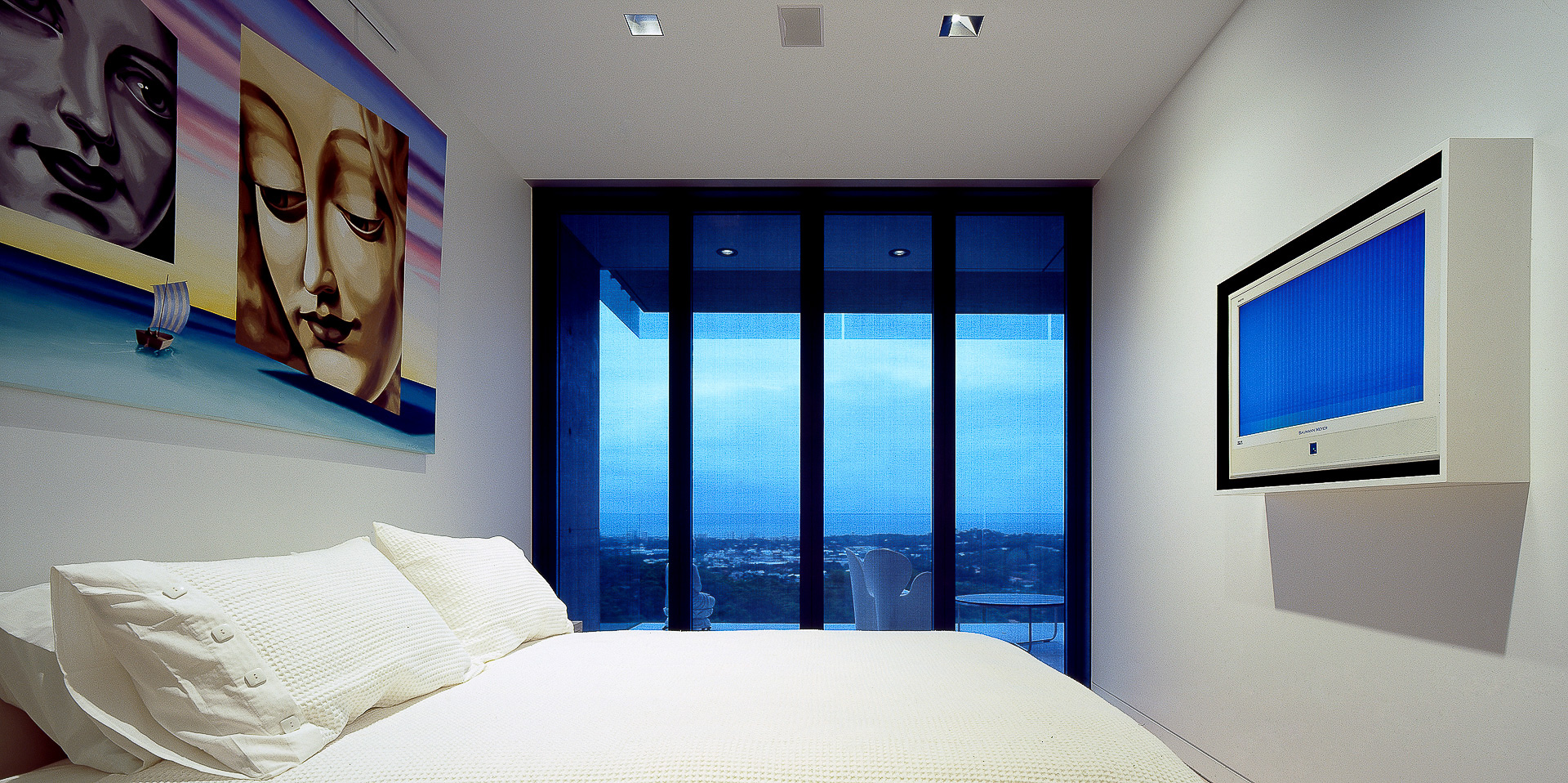 bedroom, bed, ultramodern house, futuristic, monolithic, polished concrete, sunshine coast, minka joinery