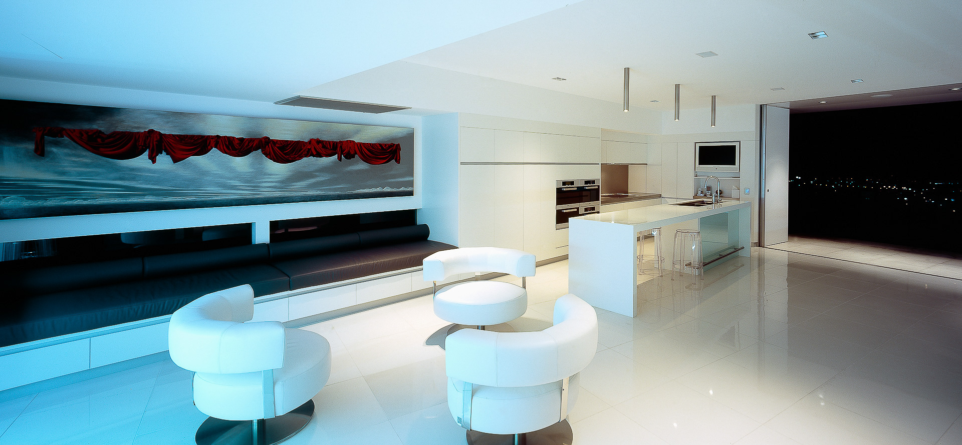White kitchen, sleek, chic interiors, corian, glacier white, luxury kitchen, ultramodern kitchen, minimal kitchen, minka joinery