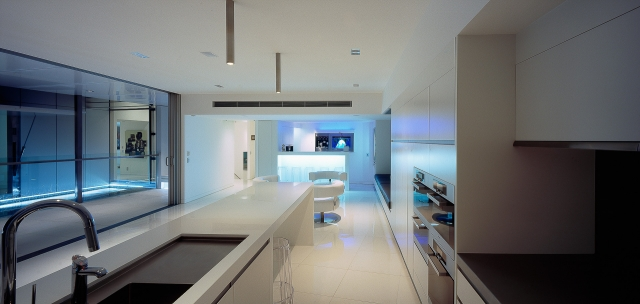 White kitchen, thermoformed corian, glacier white, luxury kitchen, ultramodern kitchen, minimal kitchen, minka joinery