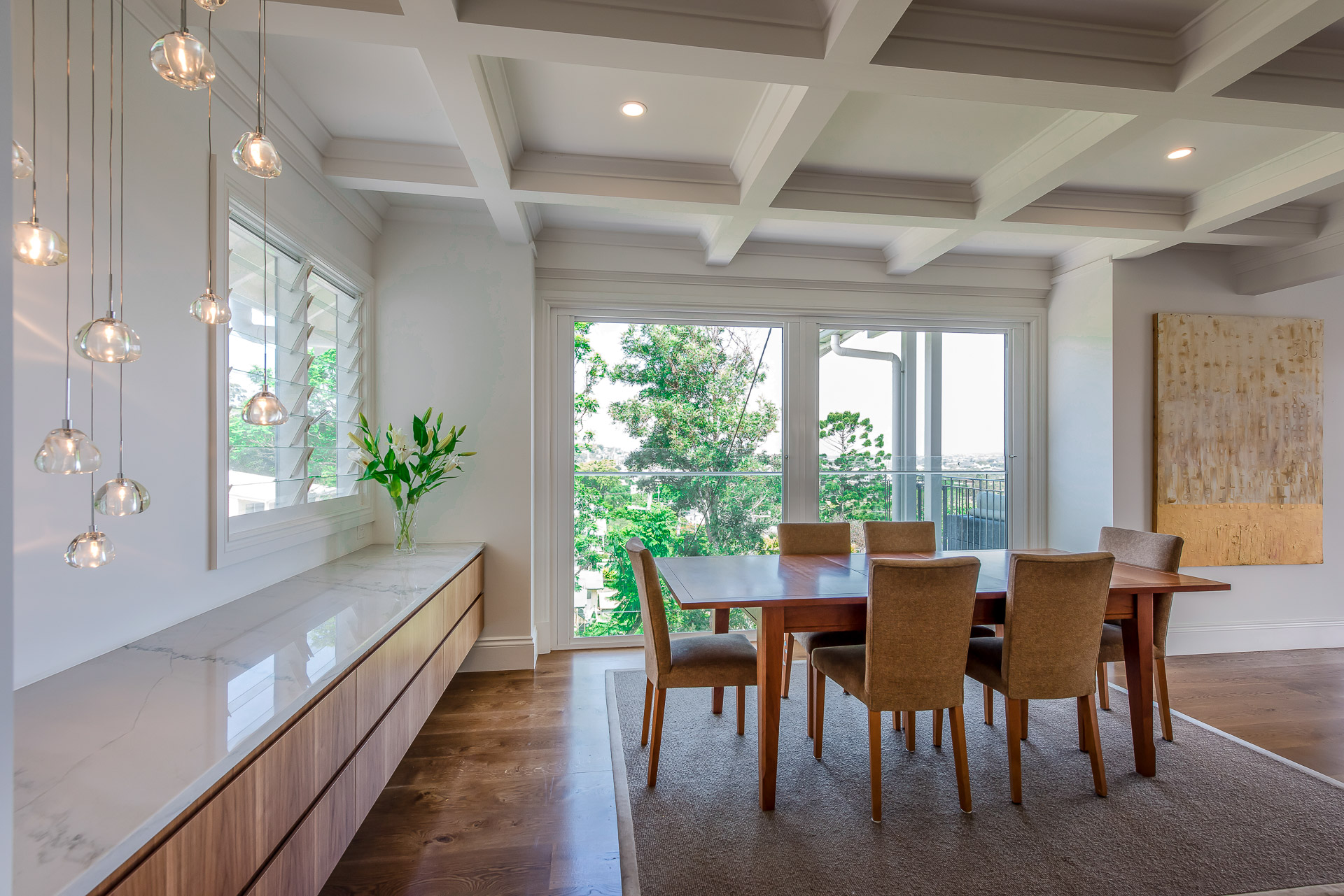 Luxury dining room, architecture, luxury interiors, minka joinery, Cowan Constructions, brisbane, queensland
