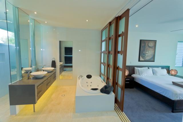 bathroom, vanity, ensuite, bed, new age veneers, caesarstone, mirror, luxury, minka joinery