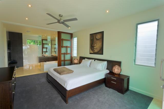 bedroom, bed, vanity, ensuite, new age veneers, caesarstone, mirror, luxury, minka joinery