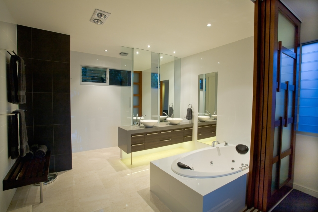 bathroom, vanity, ensuite, new age veneers, caesarstone, mirror, luxury, minka joinery